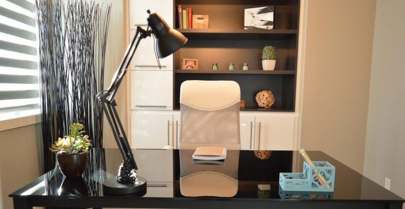 lampa de birou pe led